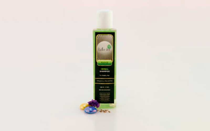 Shampoo diodegradable herbal para cabello normal