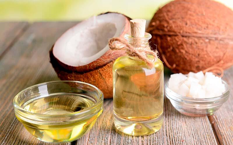 Aceite de coco para cuidar tu piel con Ayurveda