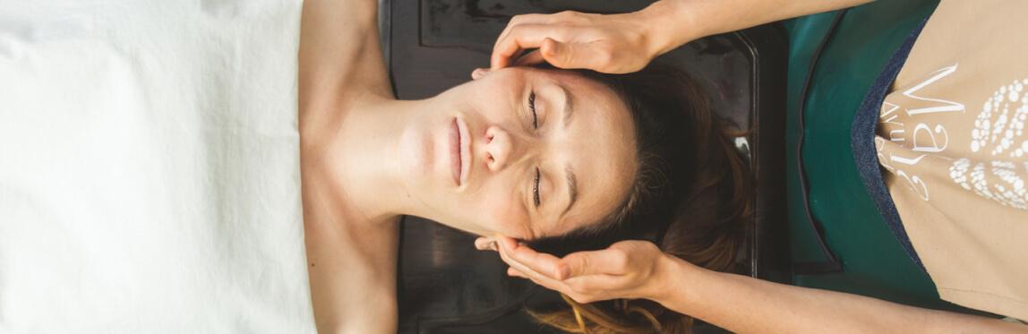 Terapia shirodhara - Masaje de cabeza