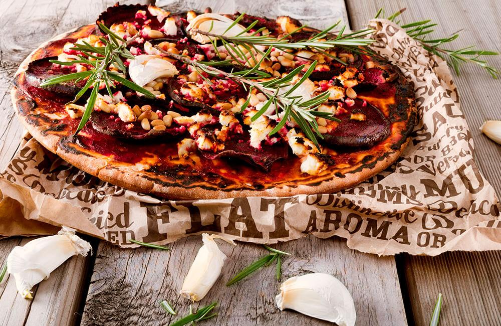 Pizza de remolacha y tomillo